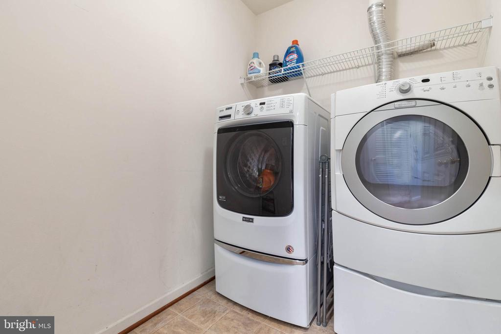 Laundry - 2229 POTOMAC CLUB PKWY #32, WOODBRIDGE