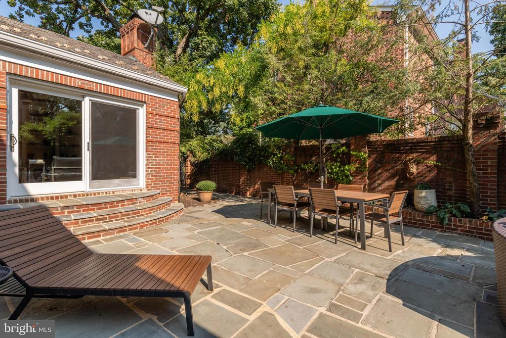 Access to patio from family room - 830 W BRADDOCK RD, ALEXANDRIA