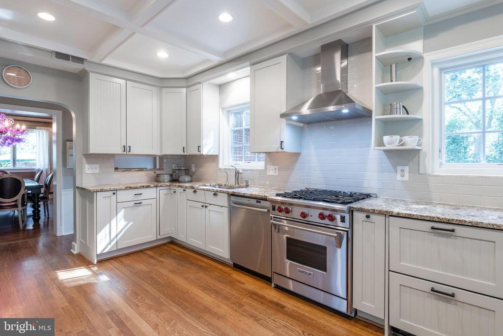 Updated gourmet kitchen with Wolf gas range - 830 W BRADDOCK RD, ALEXANDRIA