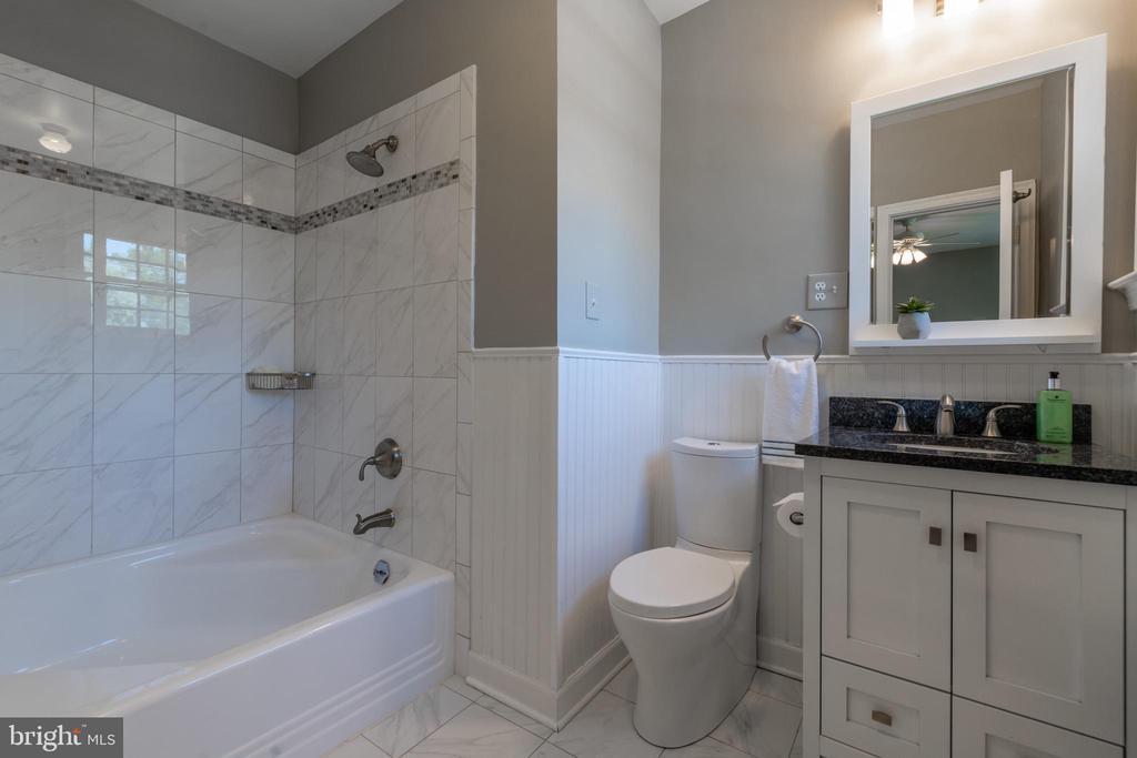 Master suite #2 bath - 830 W BRADDOCK RD, ALEXANDRIA