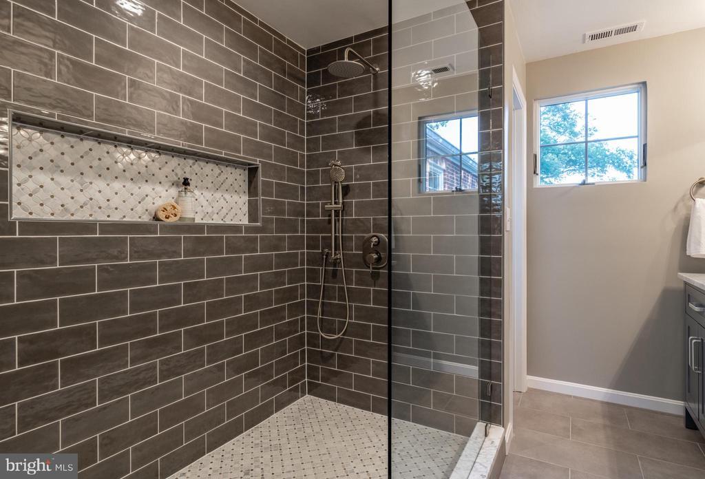 New Master bath w/ oversize shower & water closet - 830 W BRADDOCK RD, ALEXANDRIA