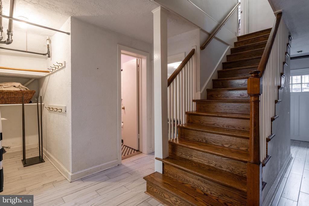 Stairs to lower level w/ 2 outdoor egresses - 830 W BRADDOCK RD, ALEXANDRIA