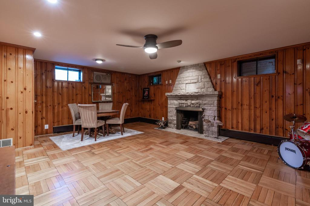 Recreation room with wood burning fireplace - 830 W BRADDOCK RD, ALEXANDRIA