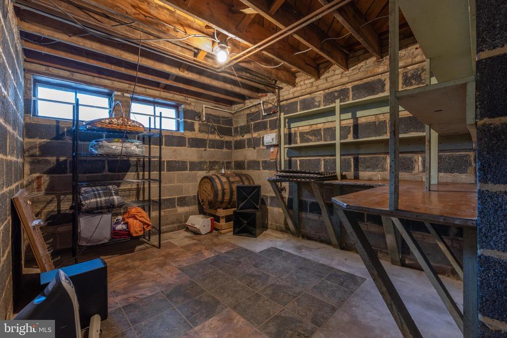 Large storage room with shelving - 830 W BRADDOCK RD, ALEXANDRIA