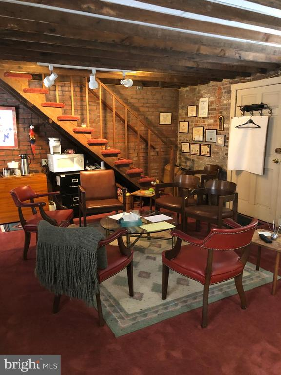 Carriage house stair to attic - 220 S WASHINGTON ST, ALEXANDRIA