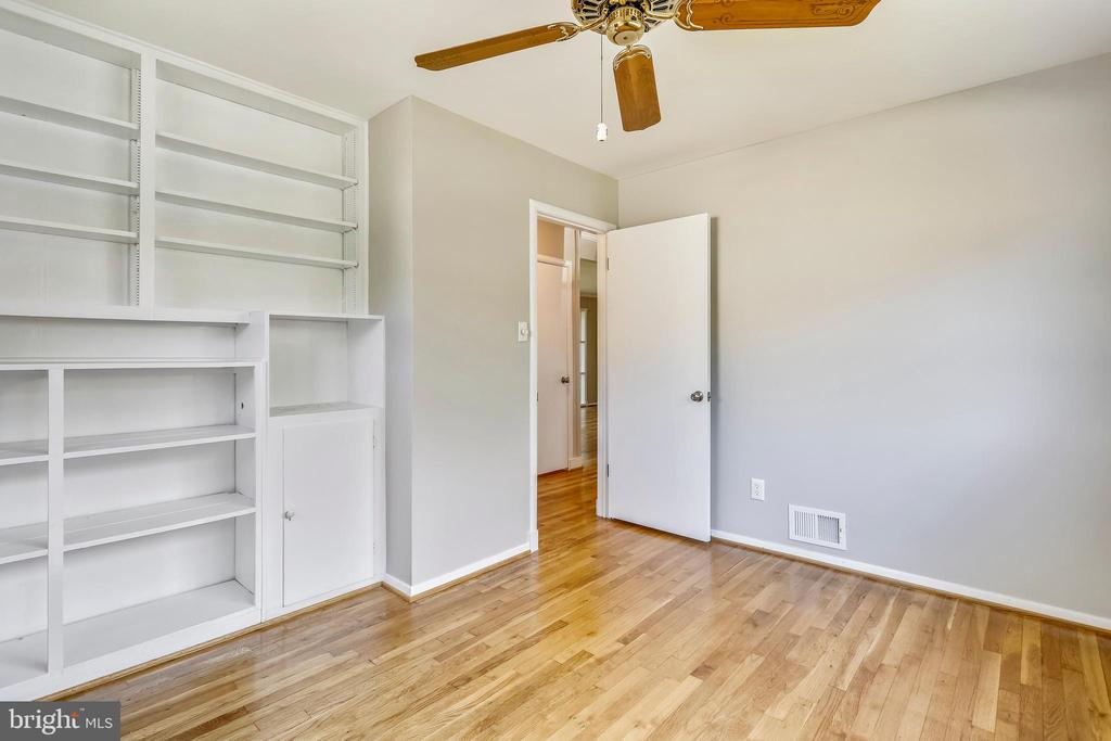 Main level BR #2 - built ins and wood floor - 812 BOWIE RD, ROCKVILLE