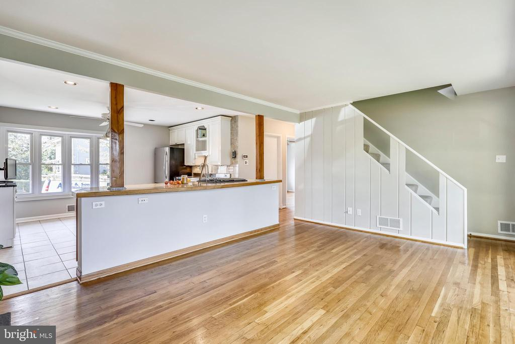 Solid wood floors shine! - 812 BOWIE RD, ROCKVILLE