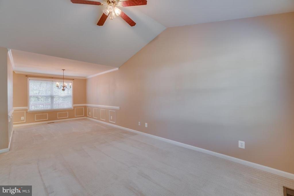 Living room/Dining Room - 48 BOUNDARY DR, STAFFORD