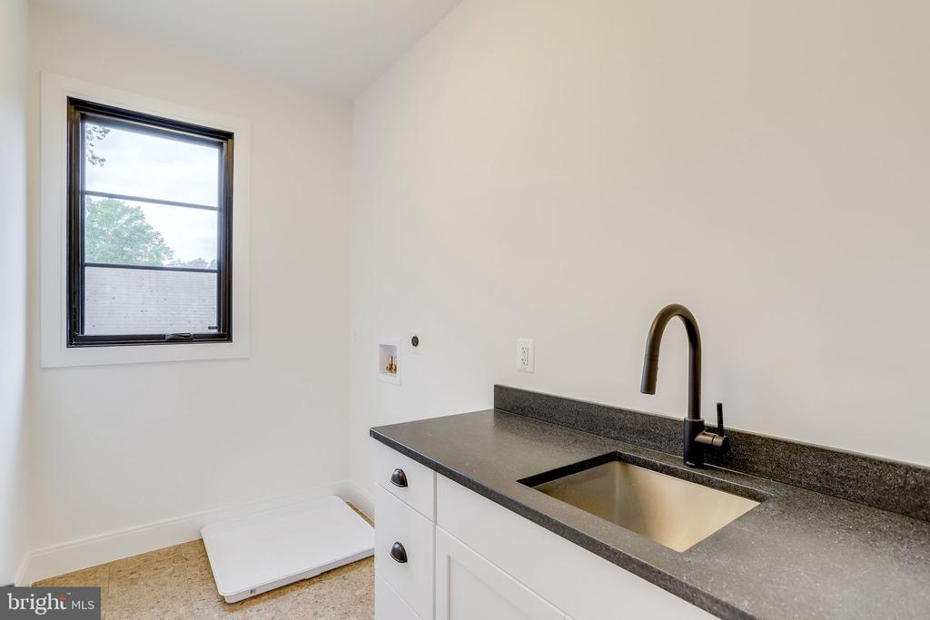 Laundry Room - 908 21ST ST S, ARLINGTON