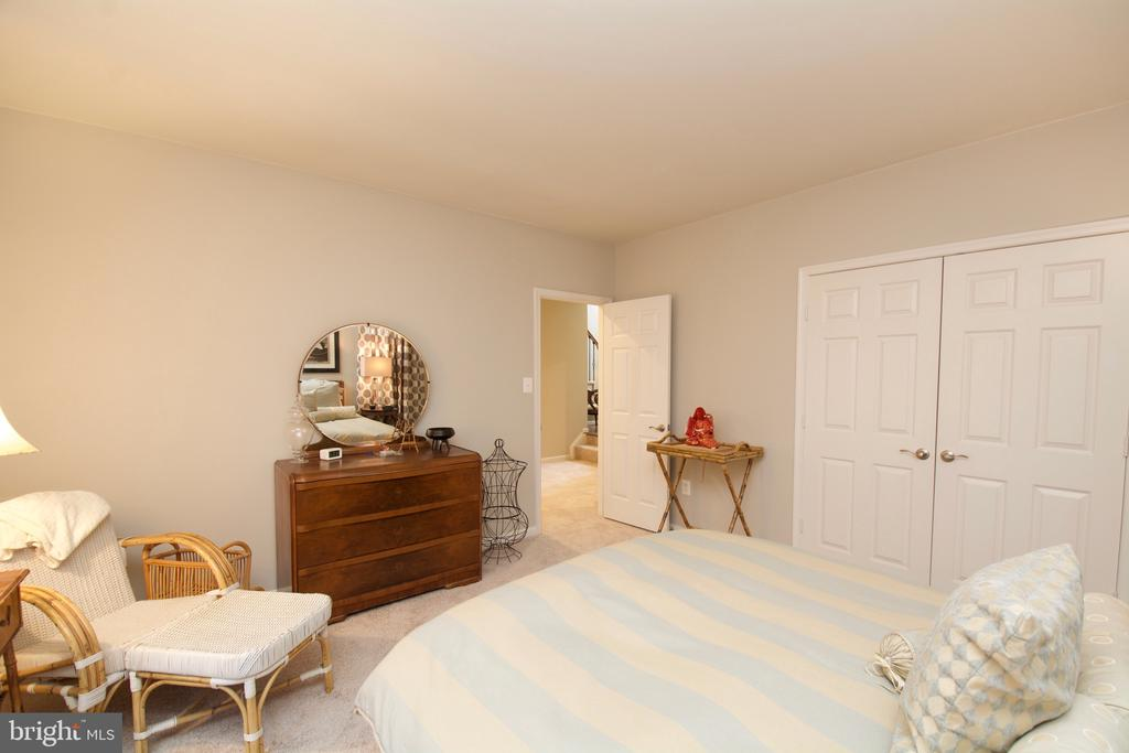 Lower Level Bedroom with walk out and windows - 5793 VALLEY VIEW DR, ALEXANDRIA
