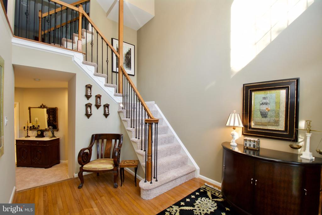 Gorgeous - 5793 VALLEY VIEW DR, ALEXANDRIA