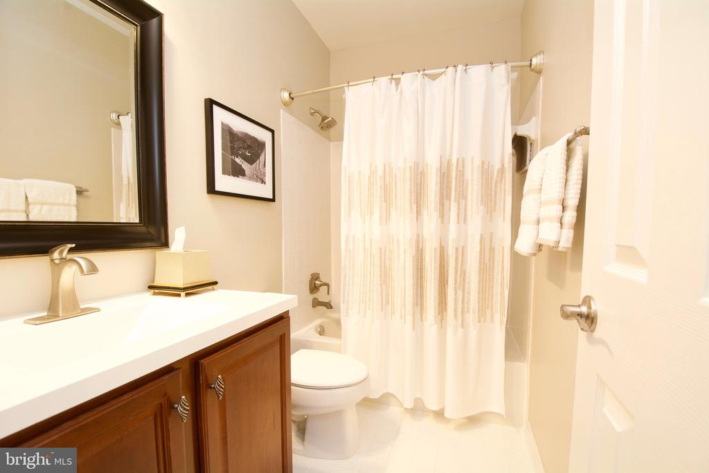 Full Bath on the Lower Level - 5793 VALLEY VIEW DR, ALEXANDRIA