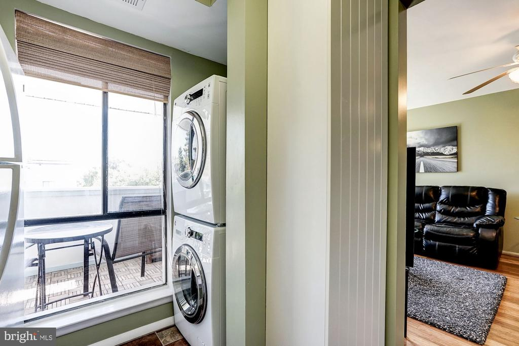 In-Unit, Full-Size, Front Loading Washer & Dryer - 5758 VILLAGE GREEN DR #F, ALEXANDRIA