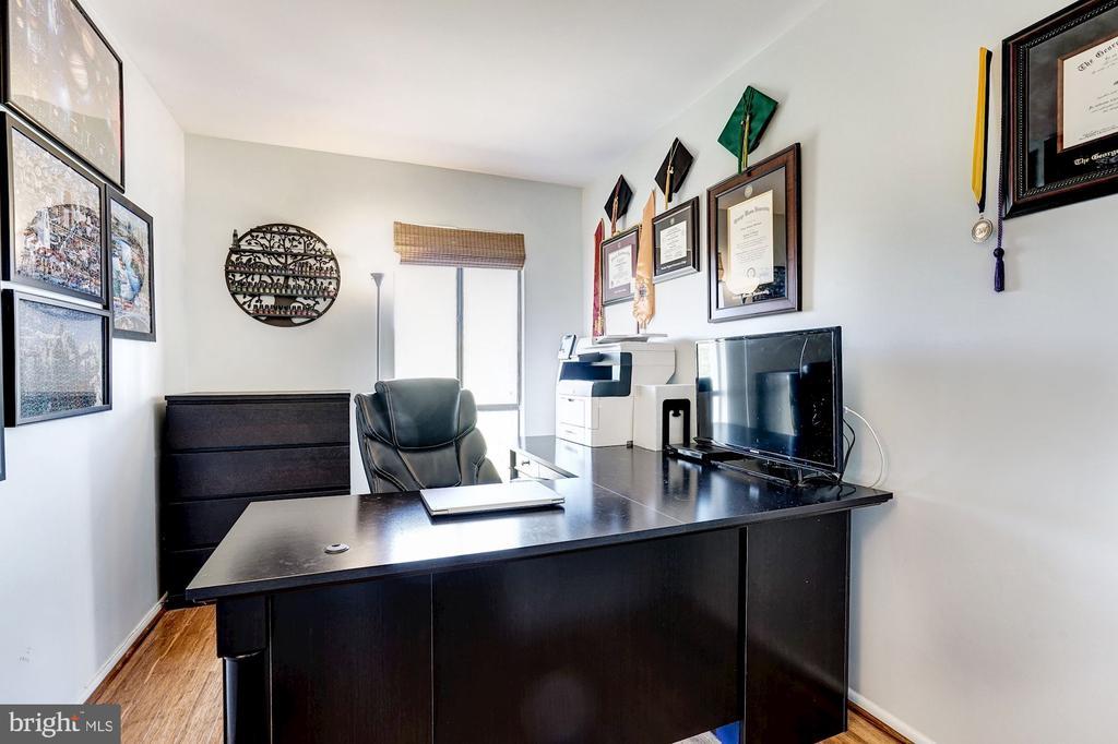 Bedroom #3 - Hardwood Floors - 5758 VILLAGE GREEN DR #F, ALEXANDRIA