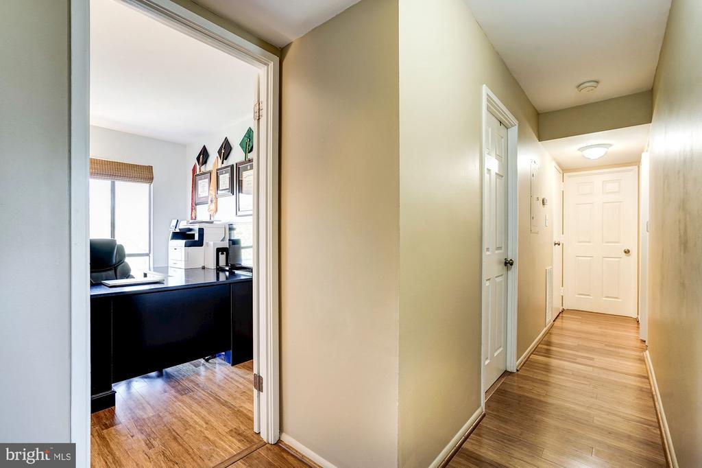 Hallway Leading Into Bedroom #3 - 5758 VILLAGE GREEN DR #F, ALEXANDRIA