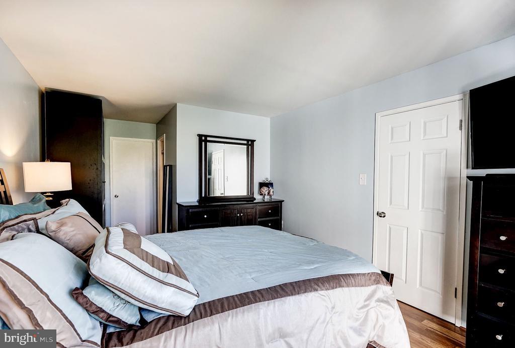 Master Bedroom - 5758 VILLAGE GREEN DR #F, ALEXANDRIA