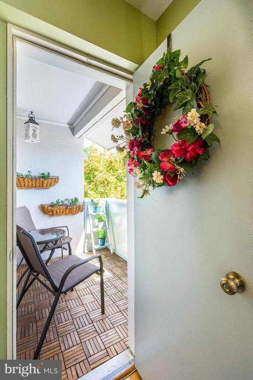 Balcony - Perfect if You Want Some Fresh Air! - 5758 VILLAGE GREEN DR #F, ALEXANDRIA