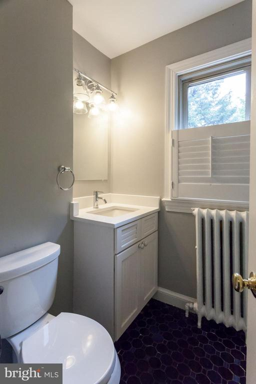 Hall Bath - 3700 ALBEMARLE ST NW, WASHINGTON