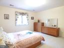 Large third bedroom - 12219 CHAPEL RD, CLIFTON