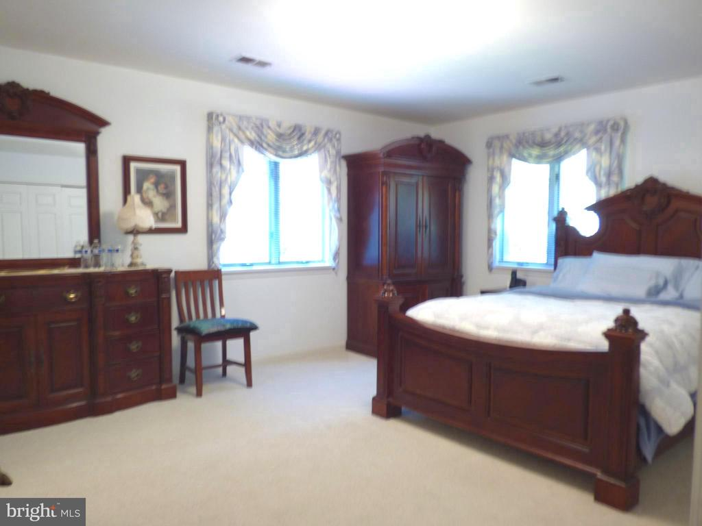 Master bedroom is large and very inviting - 12219 CHAPEL RD, CLIFTON