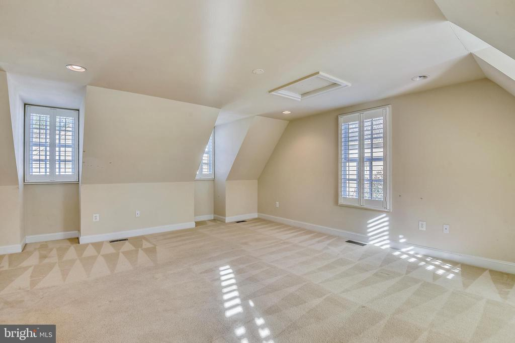 Bedroom #5 has private access and full bath. - 9880 PALACE GREEN WAY, VIENNA