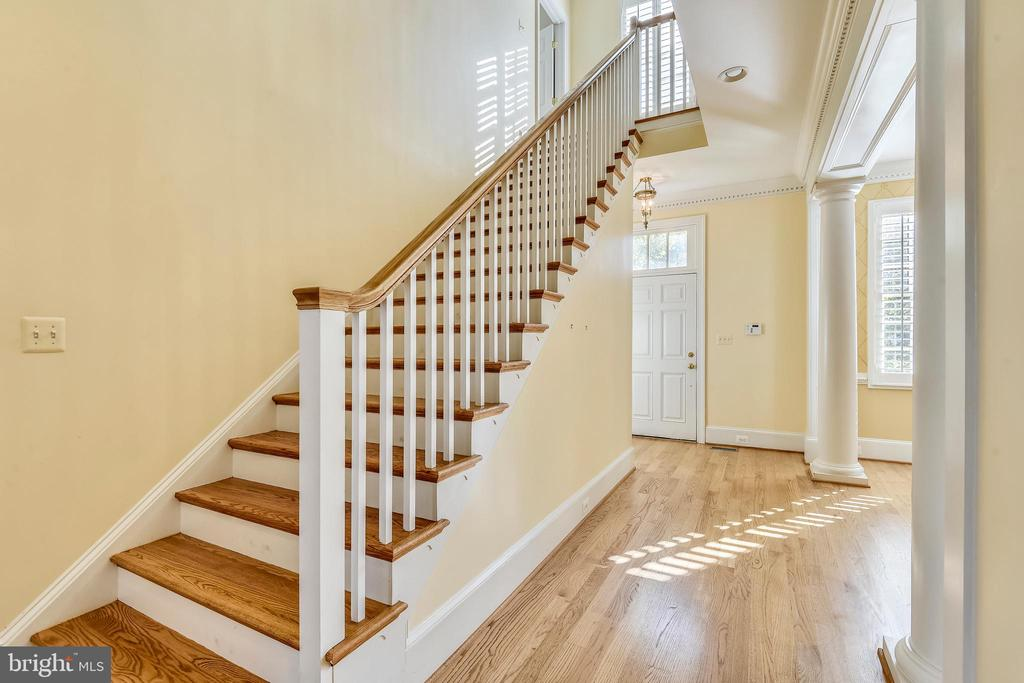Stairs to upper level bedrooms #2 through #4. - 9880 PALACE GREEN WAY, VIENNA