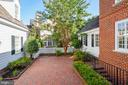 Private, charming patio courtyard. - 9880 PALACE GREEN WAY, VIENNA
