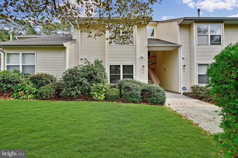 Single Family Homes のために 売買 アット Englishtown, ニュージャージー 07726 アメリカ