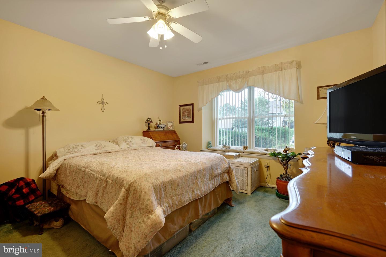 Additional photo for property listing at 33 ASPEN Avenue Englishtown, 新澤西州 07726 美國