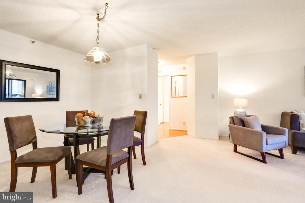 Separate dining area - 1600 N OAK ST #1116, ARLINGTON