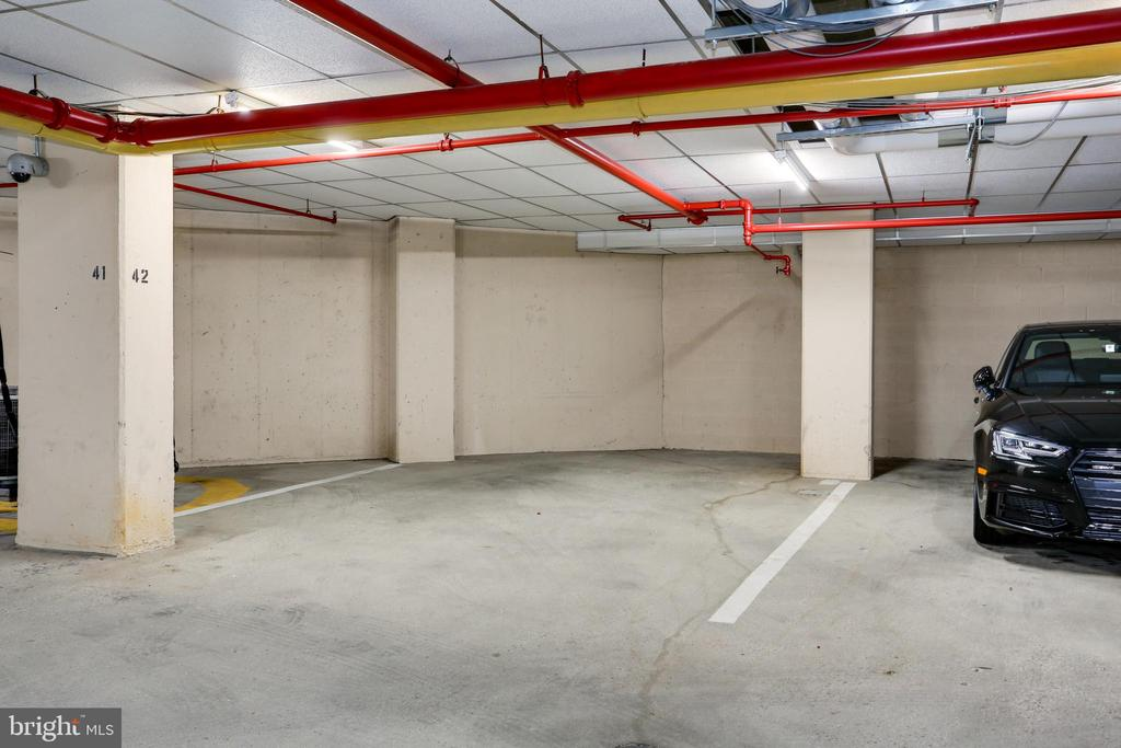 Extra large parking spot on G1 - 1600 N OAK ST #1116, ARLINGTON