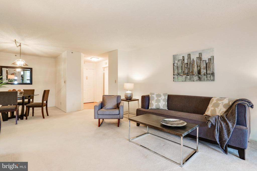 1,095 square feet + sunroom - 1600 N OAK ST #1116, ARLINGTON