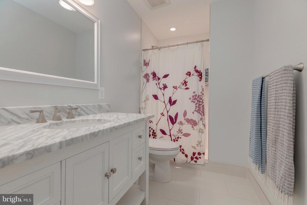 Bathroom Basement - 704 CHALFONTE DR, ALEXANDRIA