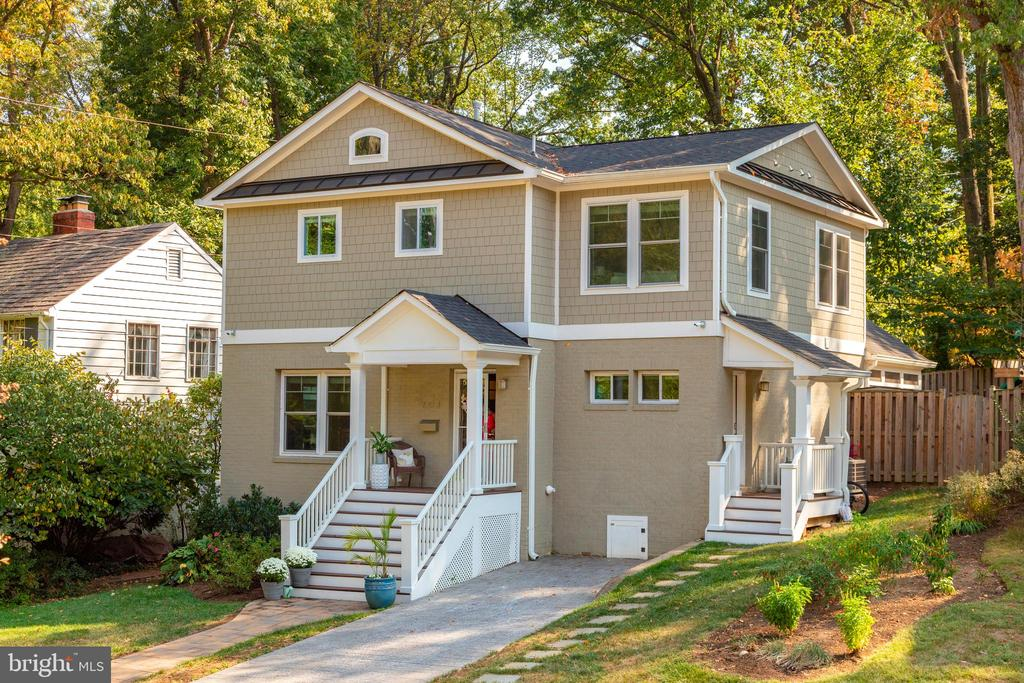 Front View - 704 CHALFONTE DR, ALEXANDRIA