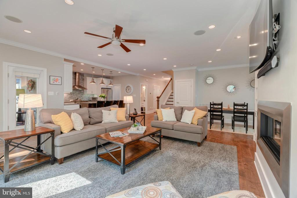 Family Room - 704 CHALFONTE DR, ALEXANDRIA