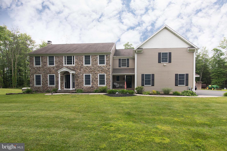 Single Family Homes のために 売買 アット Flemington, ニュージャージー 08822 アメリカ