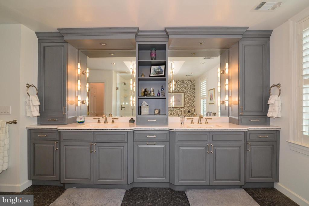 Master Bath with Elegant Finishes. - 10507 WICKENS RD, VIENNA