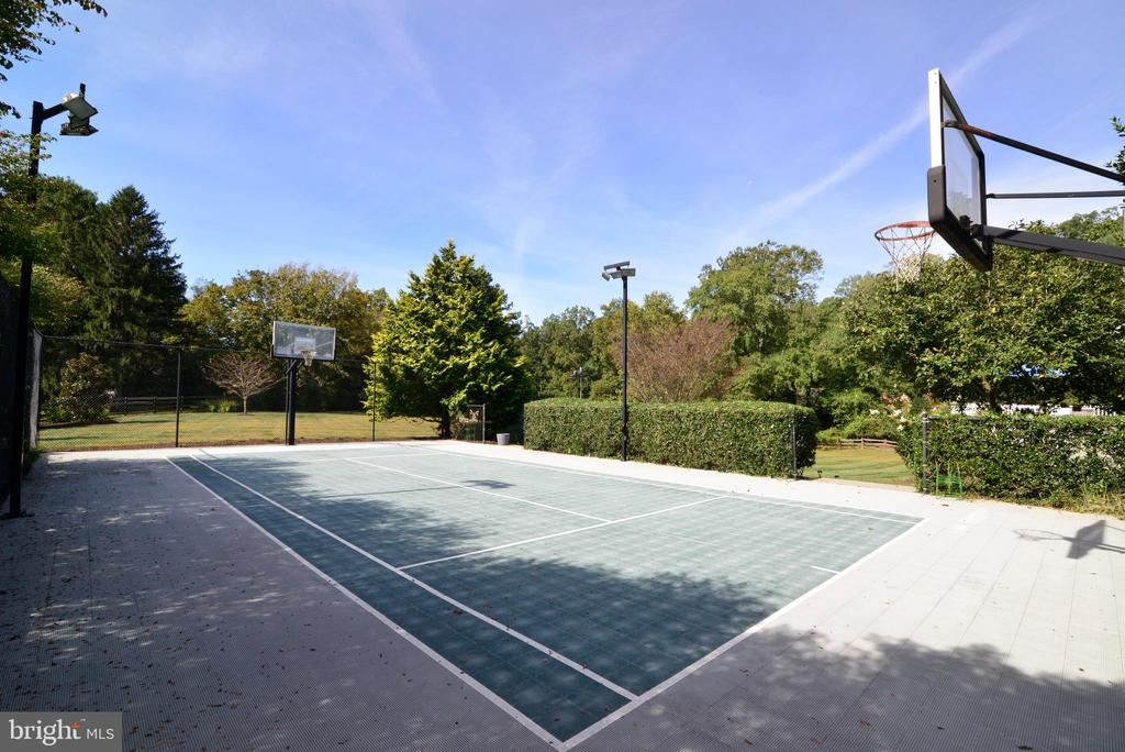 Lighted Sport Court for Year Round Entertainment. - 10507 WICKENS RD, VIENNA