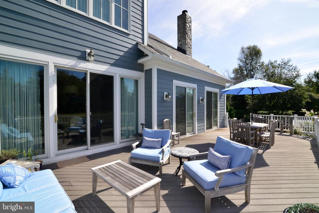 Fabulous Deck Which is Perfect for Entertaining! - 10507 WICKENS RD, VIENNA
