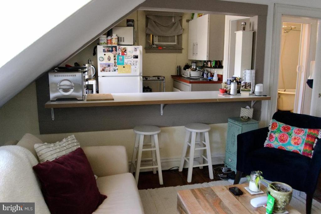 Kitchen apartment 2 - 220 S WASHINGTON ST, ALEXANDRIA