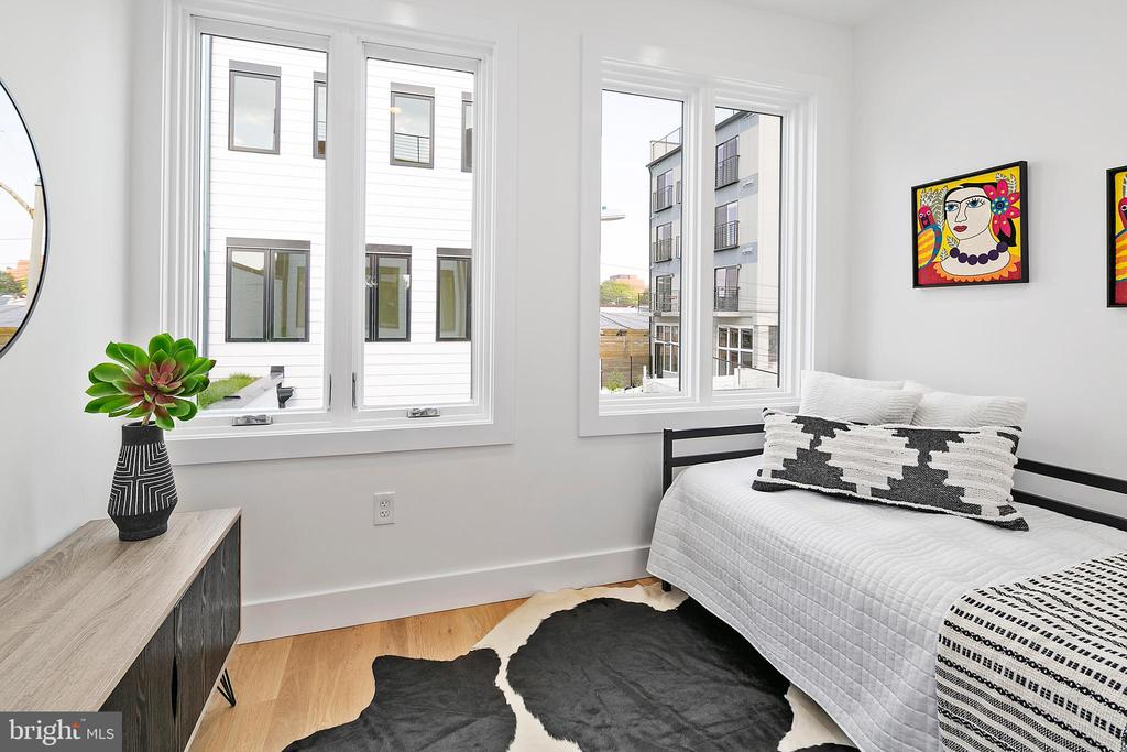 Photo of similar unit: Bedroom - 711 IRVING ST NW #B, WASHINGTON