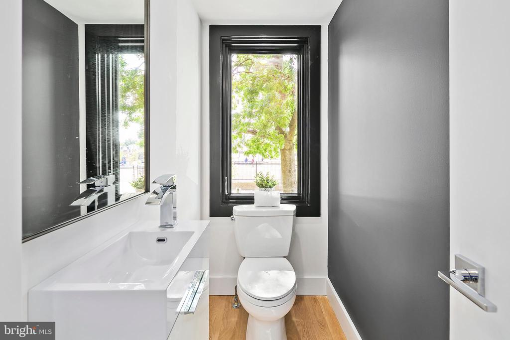 Photo of similar unit: Powder room - 711 IRVING ST NW #B, WASHINGTON