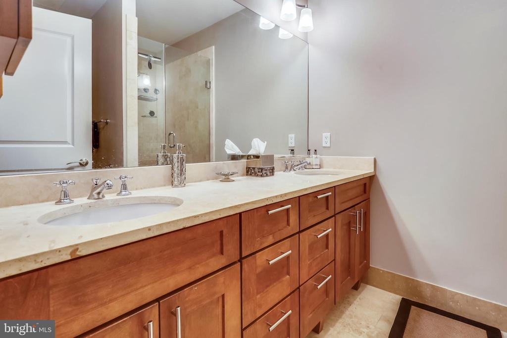 Master Bath - 215 I ST NE #1A, WASHINGTON
