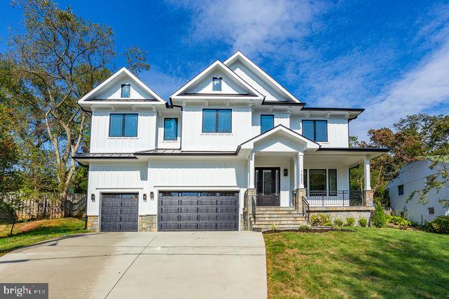 Elegant Farm house style. - 7022 HECTOR RD, MCLEAN
