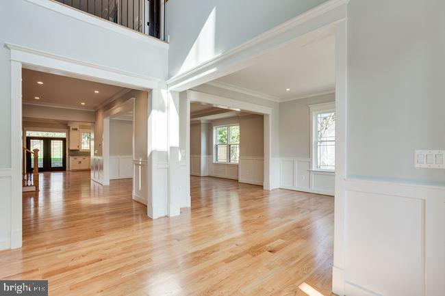 Open and bright - 7022 HECTOR RD, MCLEAN