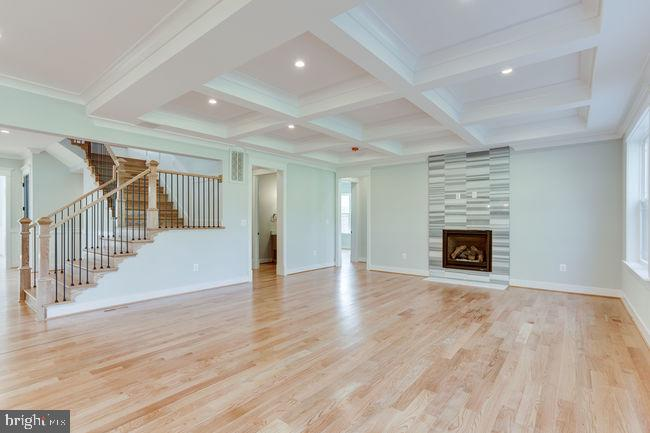 Family room coffered ceiling. - 7022 HECTOR RD, MCLEAN