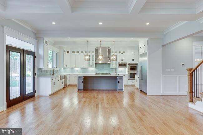 Gourmet Kitchen - 7022 HECTOR RD, MCLEAN