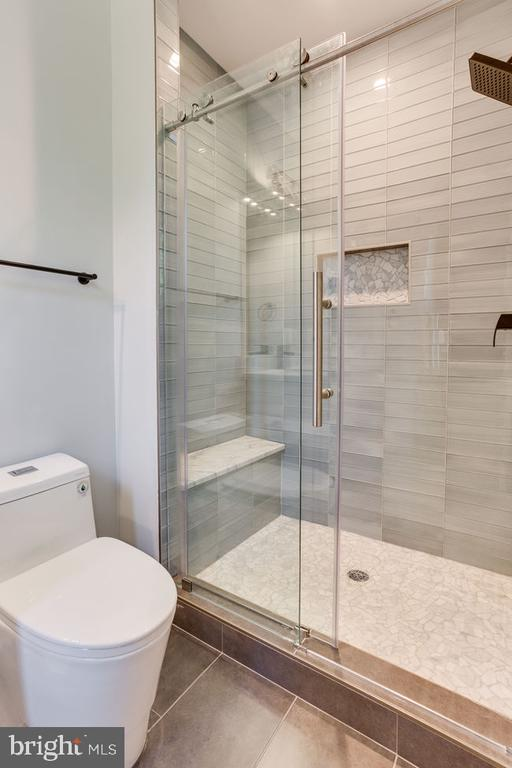 Bathroom - 7022 HECTOR RD, MCLEAN