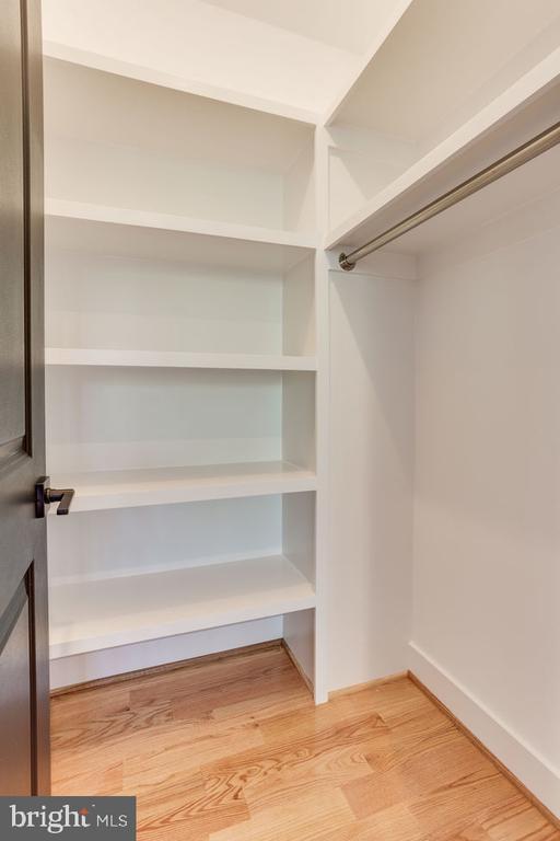 Walkin closet - 7022 HECTOR RD, MCLEAN