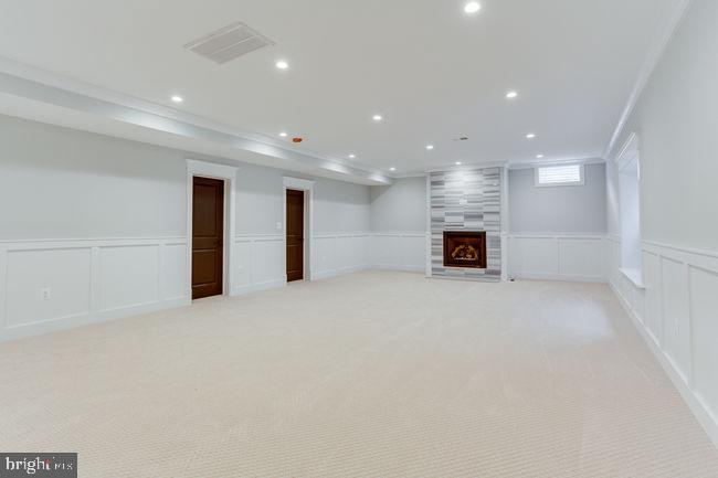 Rec room for all the weekend entertainment - 7022 HECTOR RD, MCLEAN